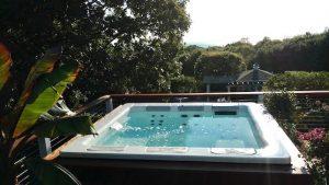 Best Hot Tubs Bullfrog Spa