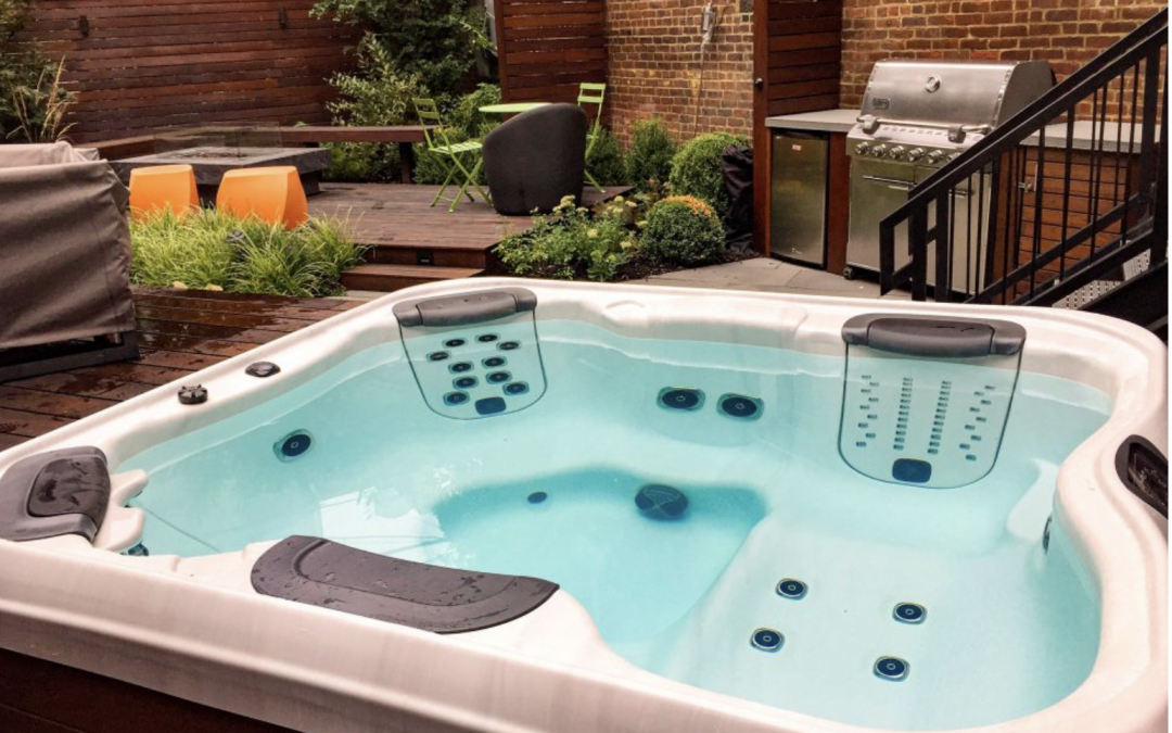 Weekly Hot Tub Service: Keeping Your Hot Tub in Optimal Shape